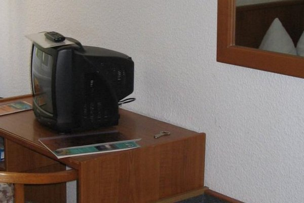 Hotel Haus Dannenberg Am See - 6