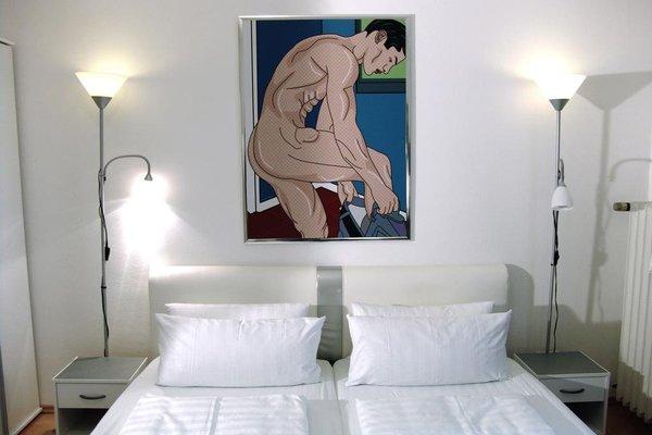 Bananas Berlin Gay Guesthouse - фото 5