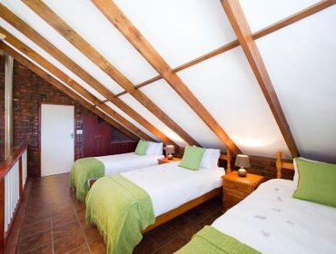 Guesthouse Swallows Nest Country Cottages