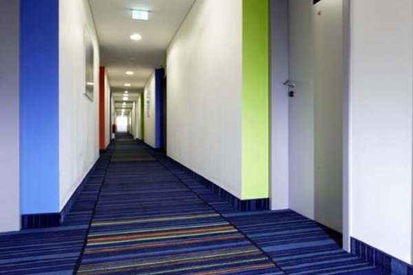 Отель Holiday Inn Express Augsburg - фото 16