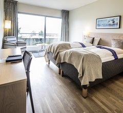 First Hotel Marina