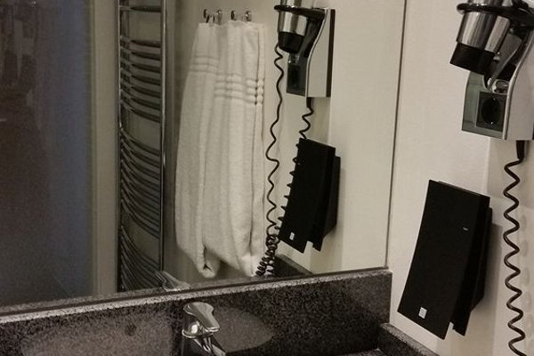Ascot Hotel - 13