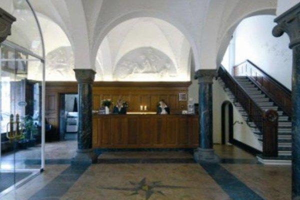 Ascot Hotel - 17
