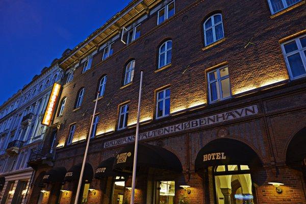 Ascot Hotel - 22