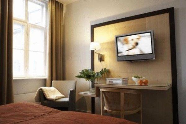 Ascot Hotel - 8