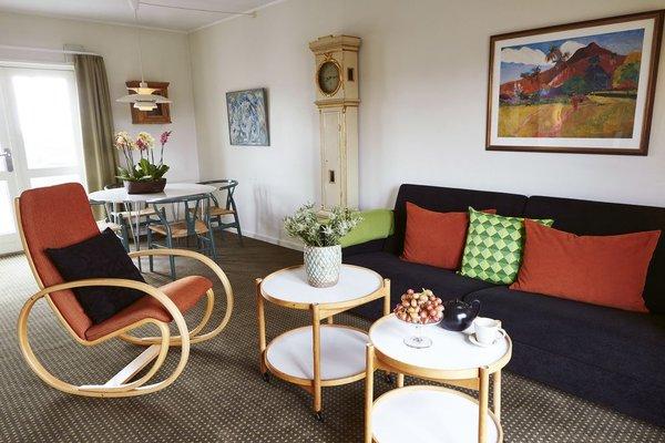 Ascot Hotel - 55
