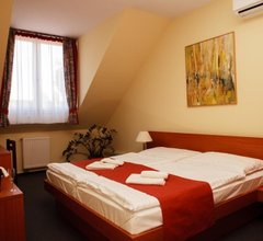 Lipa Hotel es Etterem