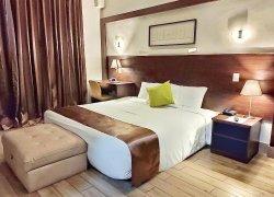 Weston Suites Hotel фото 2