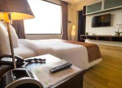 Weston Suites Hotel фото 3