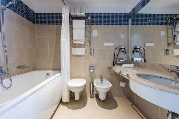 PK Ilmarine Hotel - 11