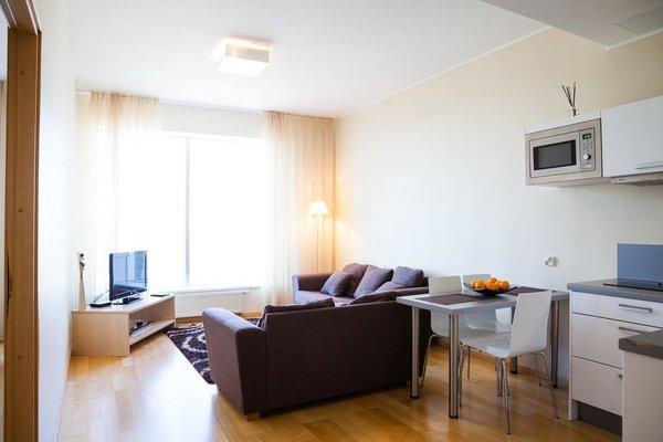 Adelle Apartments - фото 5
