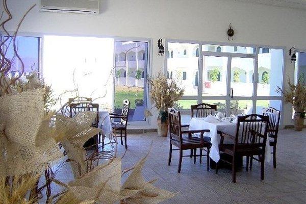 Swisscare Nuweiba Resort Hotel - фото 6