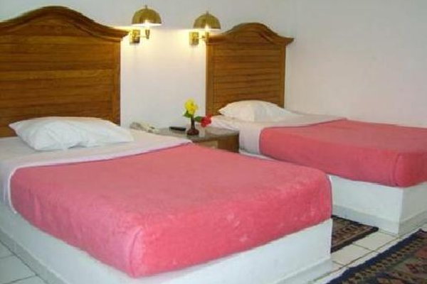 Aladdin Beach Resort - 3