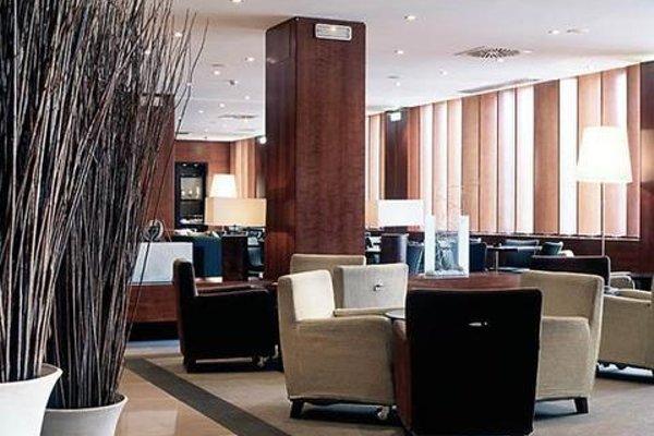 AC Hotel Zaragoza Los Enlaces, a Marriott Lifestyle Hotel - фото 17