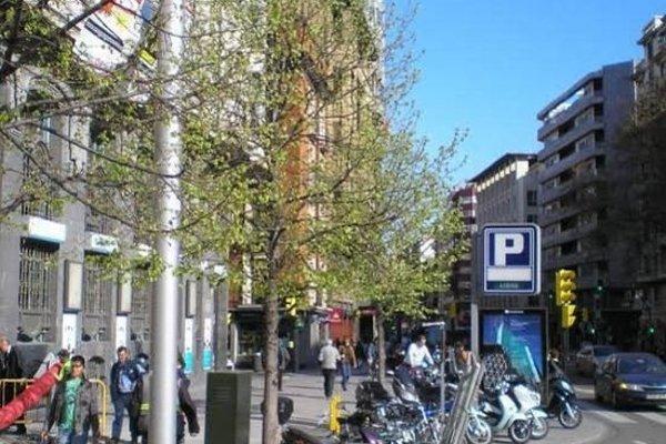 Apartamentos Plaza Espana Deluxe - фото 3