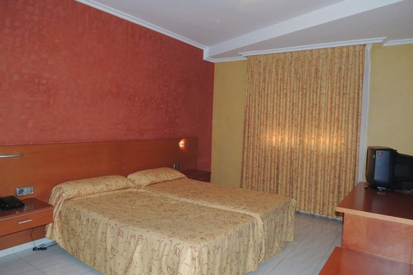 Hotel Dinajan - фото 3