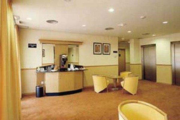 Holiday Inn Express Ciudad de las Ciencias - фото 13