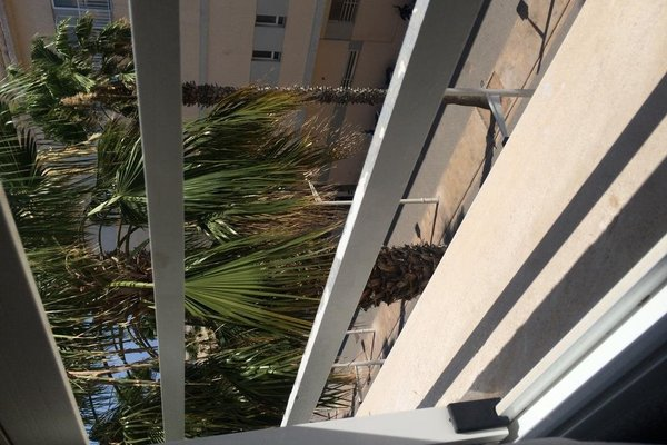 Malvarrosa Beach Rooms - фото 19