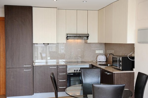 Valencia Central Apartments - фото 14