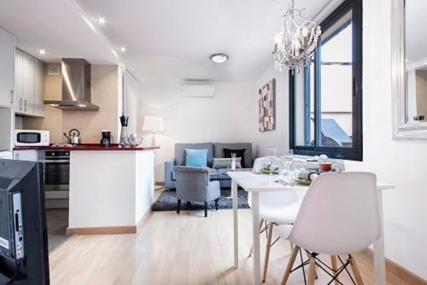 Apartments Barcelona & Home Deco Eixample - фото 15