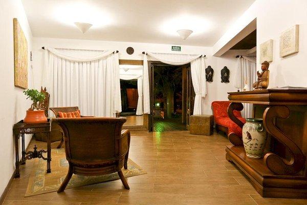 Praia Do Estaleiro Guest House - 7