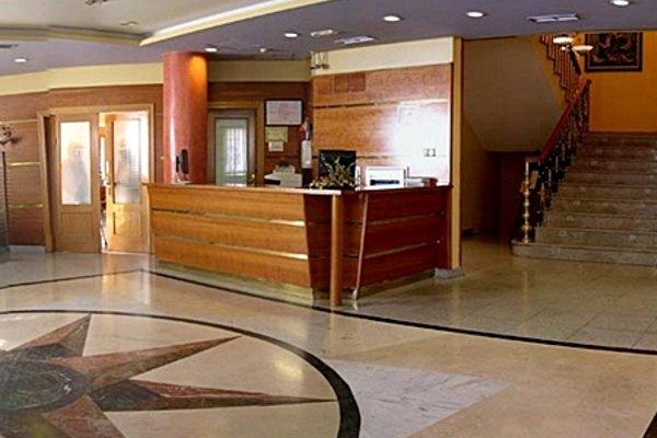 Hotel Maria De Molina - 10