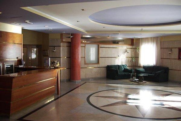 Hotel Maria De Molina - 11