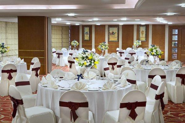 City Seasons Hotel Dubai - фото 10
