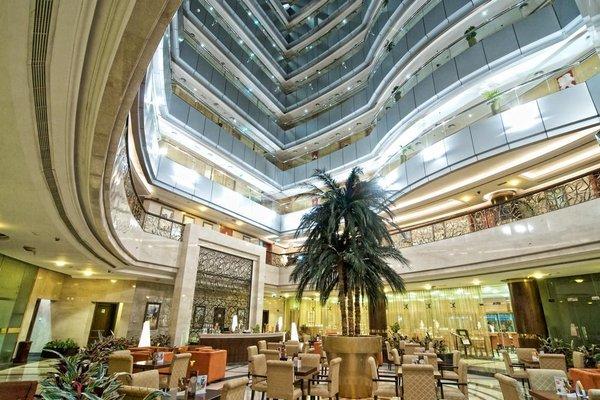 City Seasons Hotel Dubai - фото 16