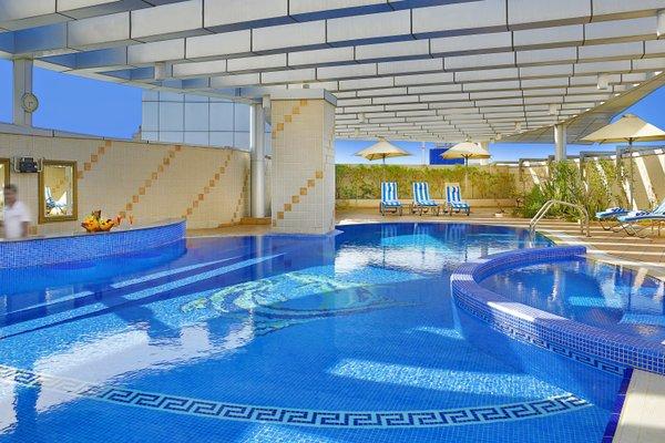 City Seasons Hotel Dubai - фото 21