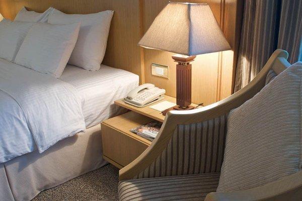 City Seasons Hotel Dubai - фото 3