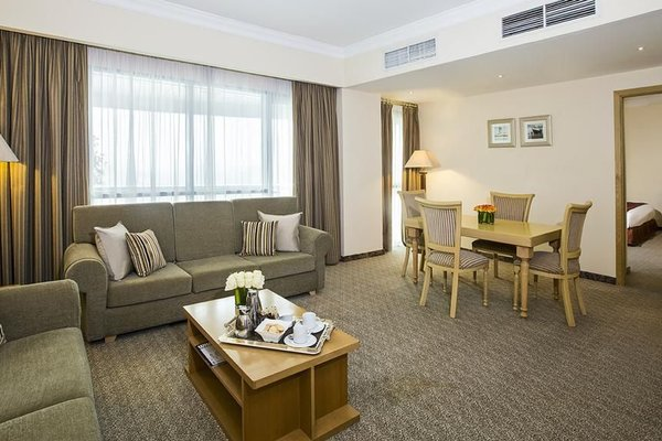 City Seasons Hotel Dubai - фото 6
