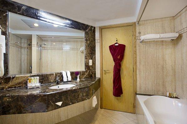 City Seasons Hotel Dubai - фото 9