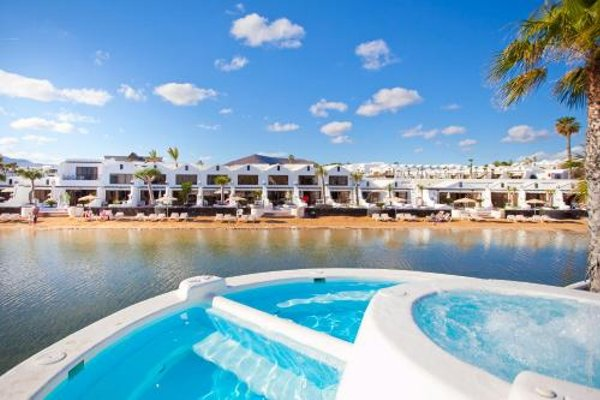 Sands Beach Resort - фото 21