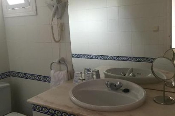 Hotel La Pena - фото 8