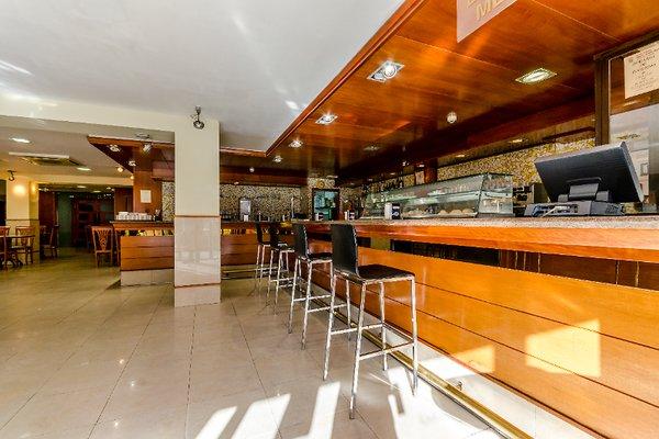 Hotel Virgen de los Reyes - фото 15