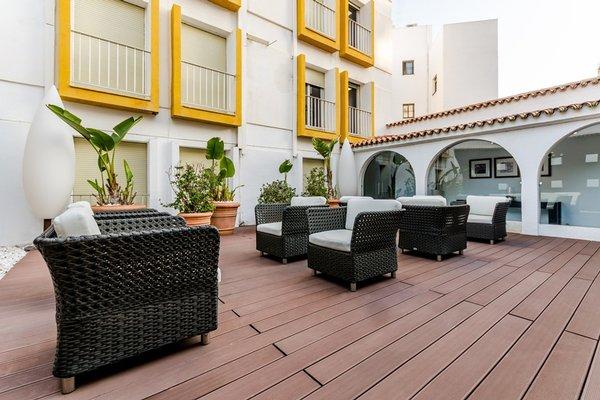 Hotel Virgen de los Reyes - фото 21