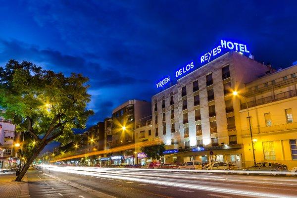 Hotel Virgen de los Reyes - фото 23