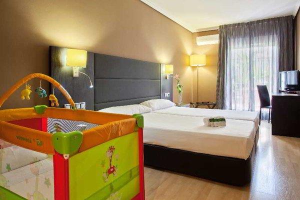 Hotel Virgen de los Reyes - фото 4