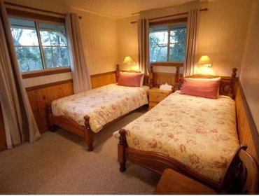 Guesthouse Accommodation Creek Cottages