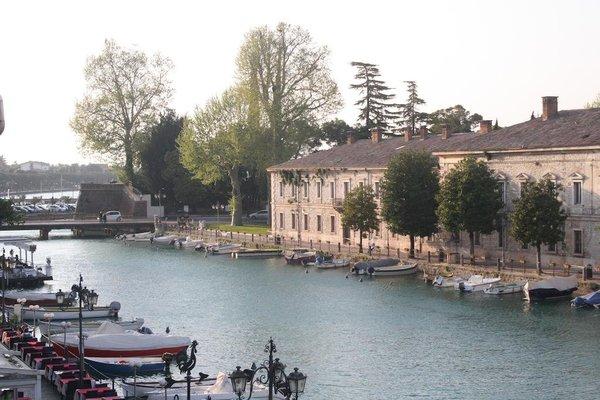Fiori sull'Acqua Apartments - фото 49