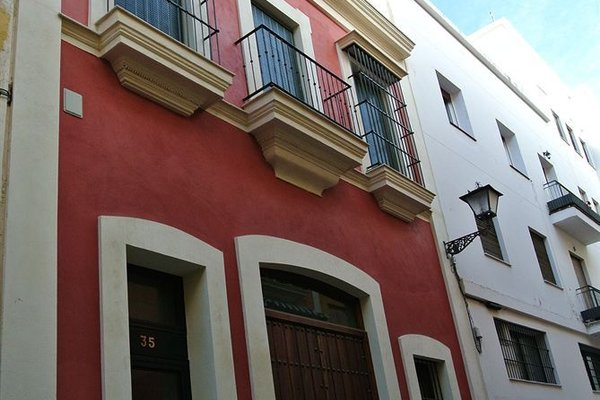 Apartamentos Living Sevilla Centro Maestranza - фото 23