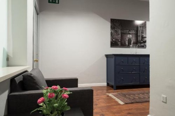 AQSevilla Apartments - 11