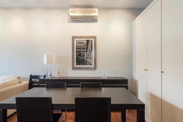 AQSevilla Apartments - 16