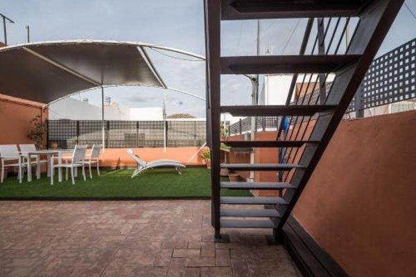 AQSevilla Apartments - 23