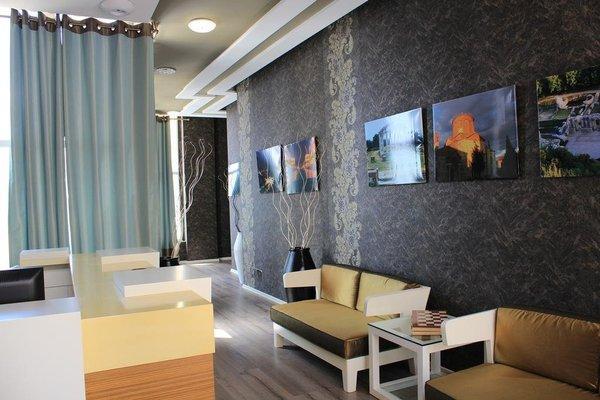 Eval Apart Hotel - 12
