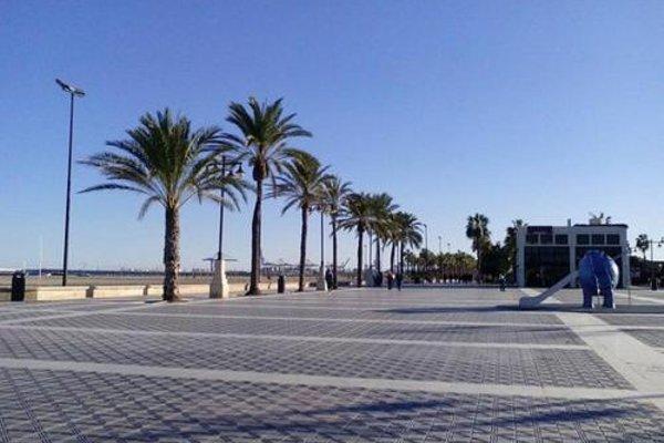 Holiday Apartments Malvarrosa Beach - фото 11
