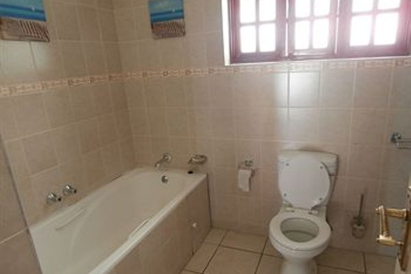 Annie's Lodge Lilongwe Area 10 - фото 11