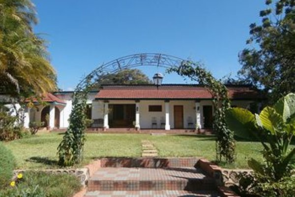Annie's Lodge Lilongwe Area 10 - фото 19