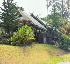 Fullmoon House & Resort